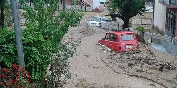 Foto: Twitter @maroje5 Poplavljeno selo Tekija