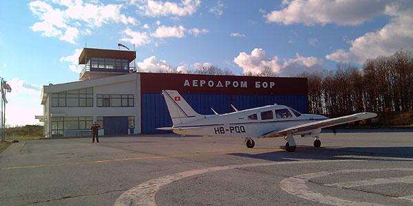 Sleteo prvi avion na borskom aerodromu u 2014. godini