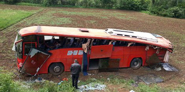 Autobus koji je sleteo sa puta. Izvor: Blic