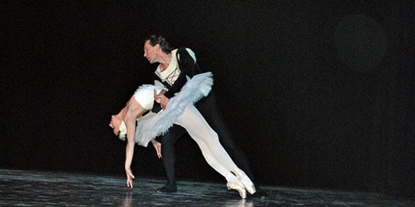 Konstantin Kostjukov u iyvo]enju klasičnog baleta