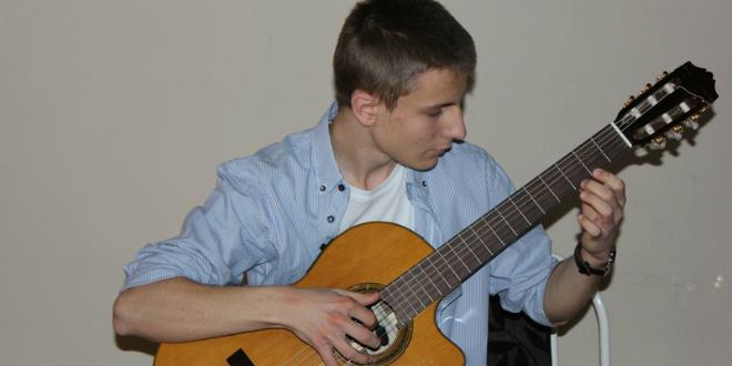 nikola-bugarin-gitara