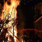Paljenje Badnjaka ispred crkve Sv. Đorđa u Boru