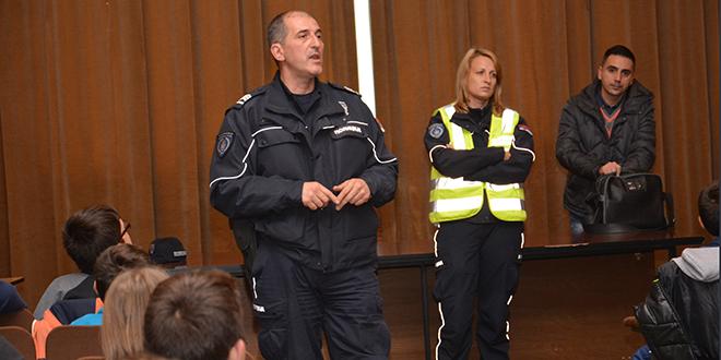 policija-u-skolama