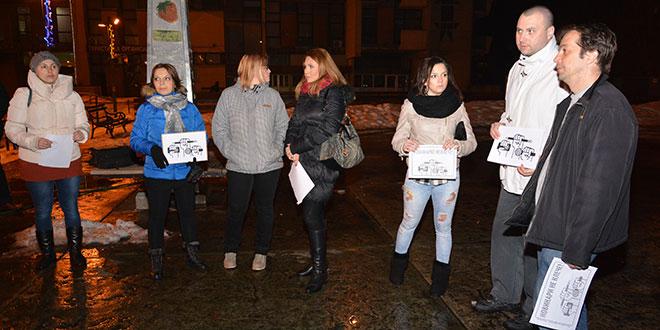 protest-novinari-ne-klece-bor-3