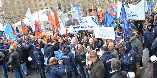 protest-radnika-restruktuiranje-2014