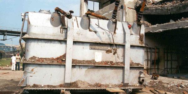 Jedan od uništenih transformatora / Foto: unep.ch